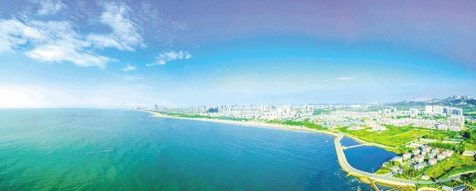 国家海洋公园位于日照市东部,南端从灯塔广场起,北到日照与青岛分界线