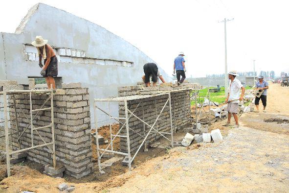 筹备建立莒县绿天使电商扶贫产业基地,基地共占地240亩,规划建设高